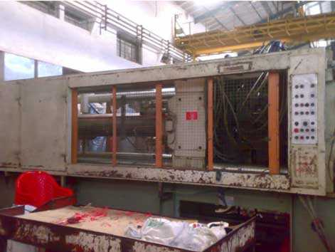 Windsor 800 ton Injection Moulding Machine - 1