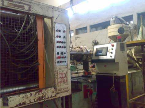 Windsor 800 ton Injection Moulding Machine - 2