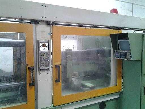 Arburg 200 Ton Allrounder Injection Molding Machine In Maharashtra
