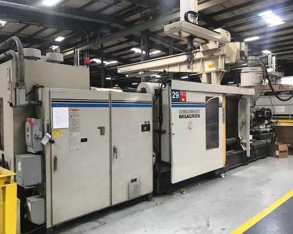 Cincinnati Milacron 1000 Ton Injection Molding Machine - USA
