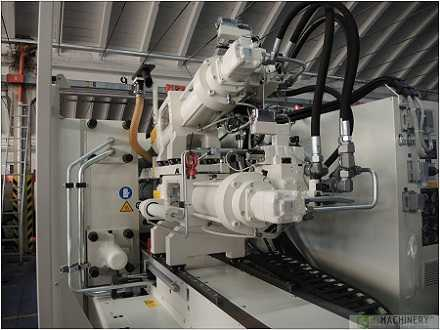 Injection Moulding Machine -3
