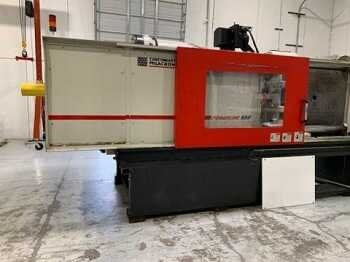Cincinnati Milacron Powerline 550 ton electric injection molding machine